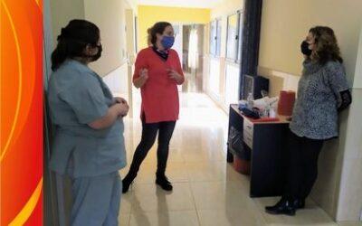Infectóloga visita las instalaciones del SAMCO